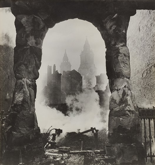 "Cecil Beaton, ""St. Paul's seen through a Victorian Shopfront,"" circa 1940. Gelatin silver print. SBMA, Gift of Mrs. Ala Story. © The Cecil Beaton Studio Archive at Sotheby's"