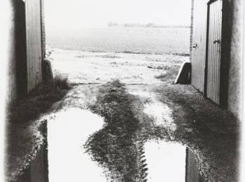 Sigmar Polke, untitled (Willich, Gaspelshof), 1975, silver gelatin print, 21 x 29,5 cm  © The Estate of Sigmar Polke / VG Bildkunst, Bonn.